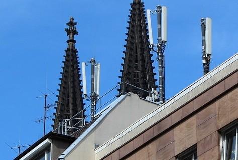 Bilan des actions anti-ondes de 2013 – Vers plus de conscience du smog électromagnétique et de ses effets sur le vivant…